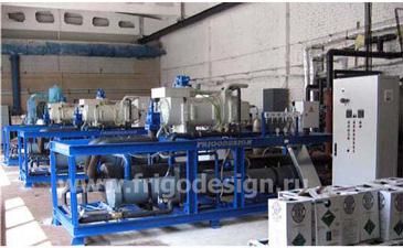 Три холодильных машины с конденсатором водяного охлаждения на винтовом полугерметичном промышленном компрессоре J&E Hall для охлаждения водного раствора CaCl